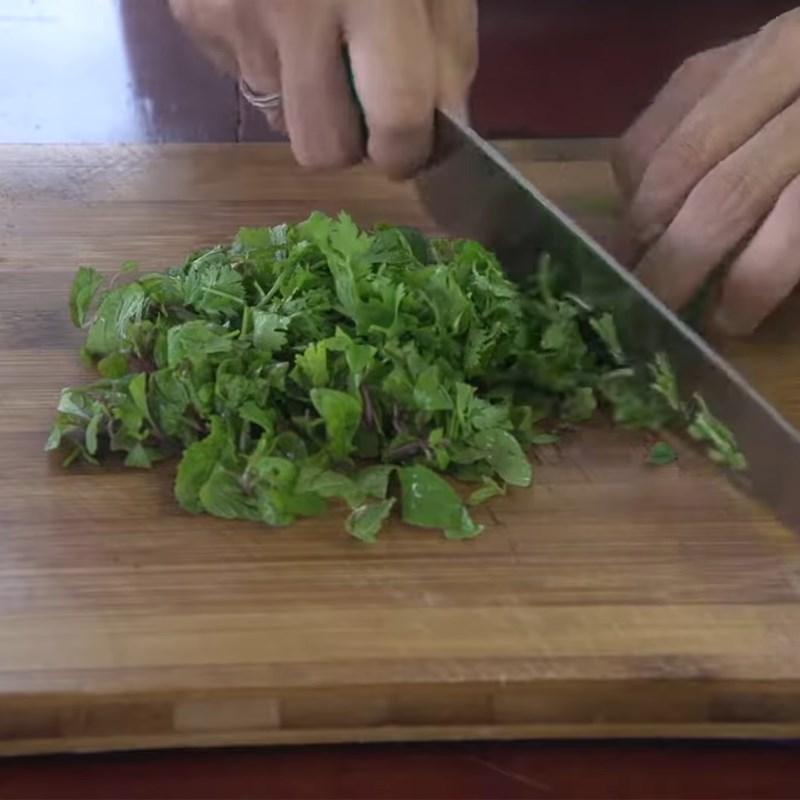 Bước 1 Sơ chế các loại nấm và rau củ Gỏi bò nấm tuyết