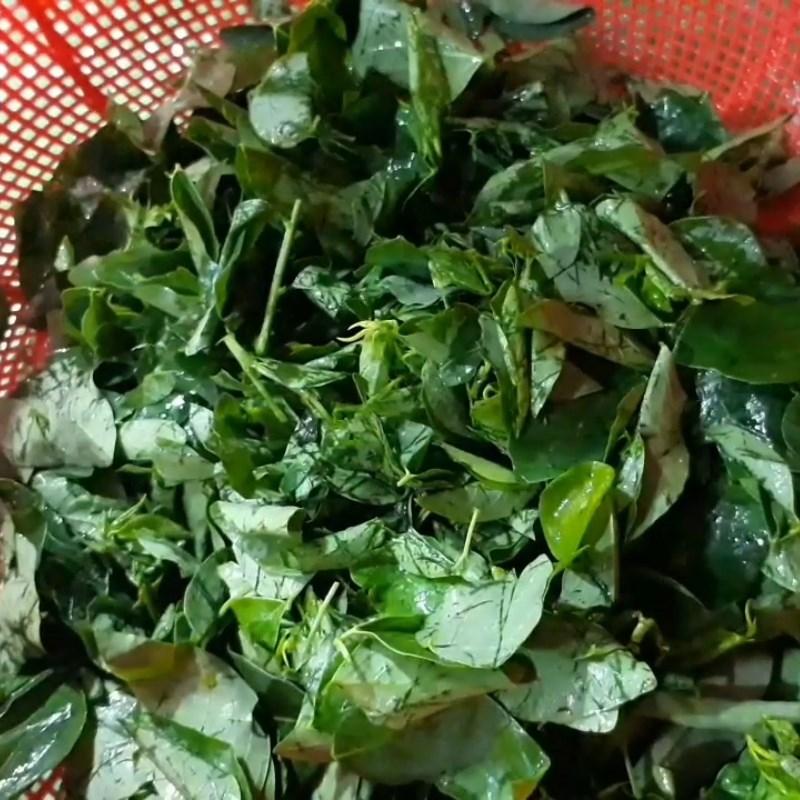 Bước 1 Sơ chế các nguyên liệu Canh rau ngót chay đậu hũ nấm rơm