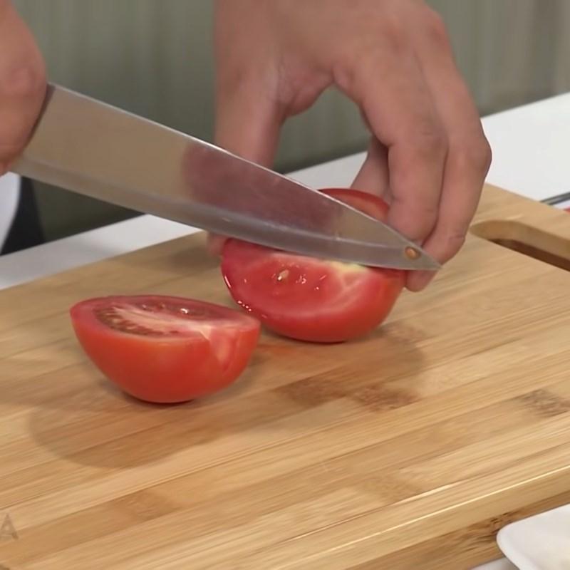 Bước 2 Sơ chế các nguyên liệu khác Canh chua cá mai