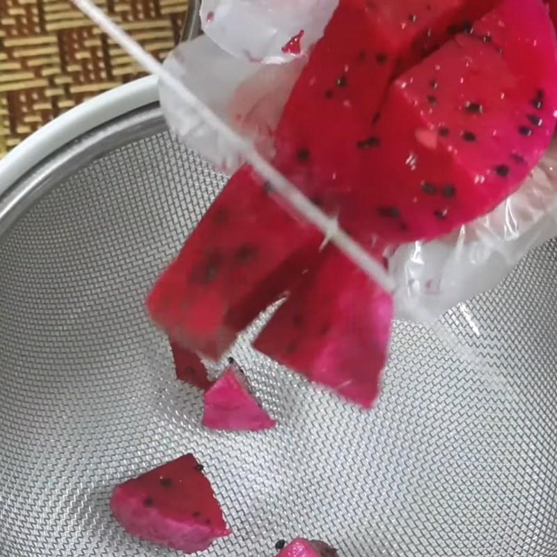 Bước 1 Sơ chế nguyên liệu Rau câu thanh long hoa đậu biếc