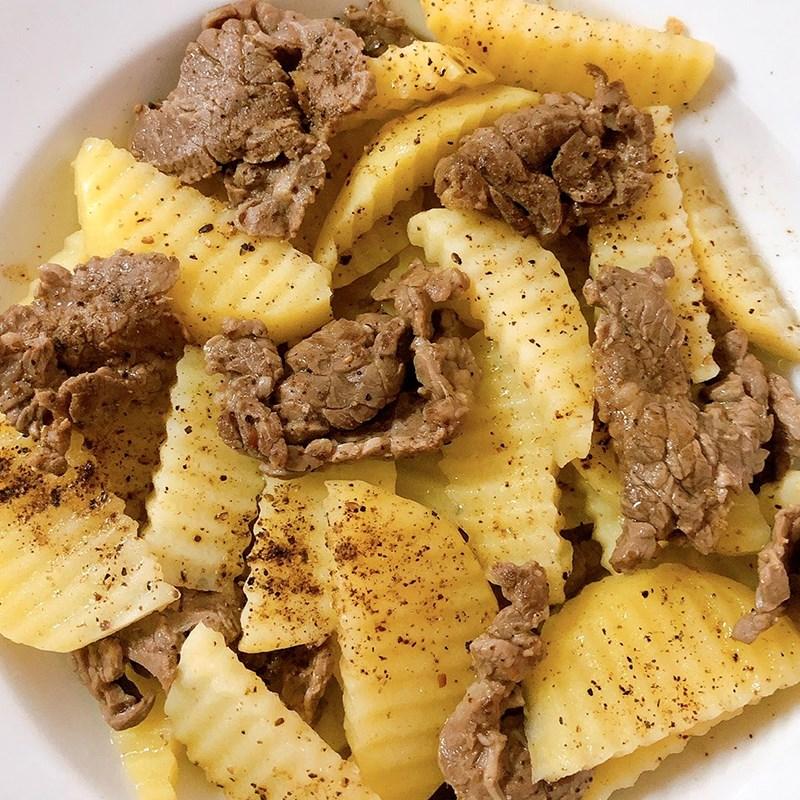 Bước 4 Thành phẩm Thịt bò xào khoai tây