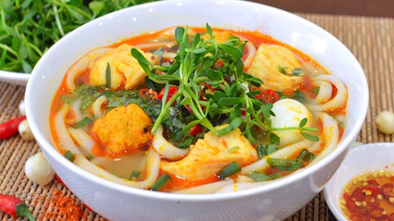 Bánh canh cá lóc - Huế