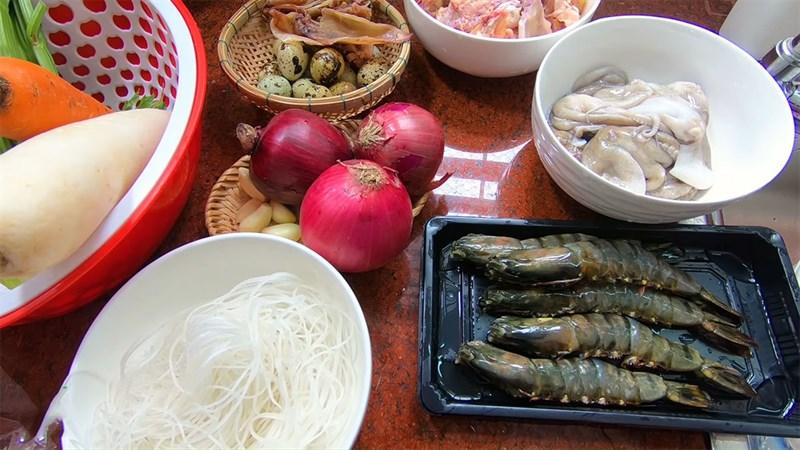 Nguyên liệu món ăn hủ tiếu hải sản
