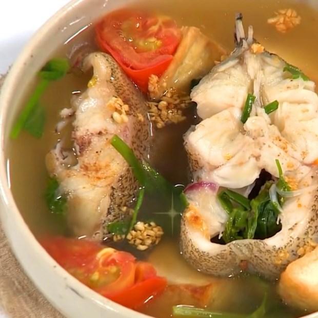 Canh cá nấu ngót