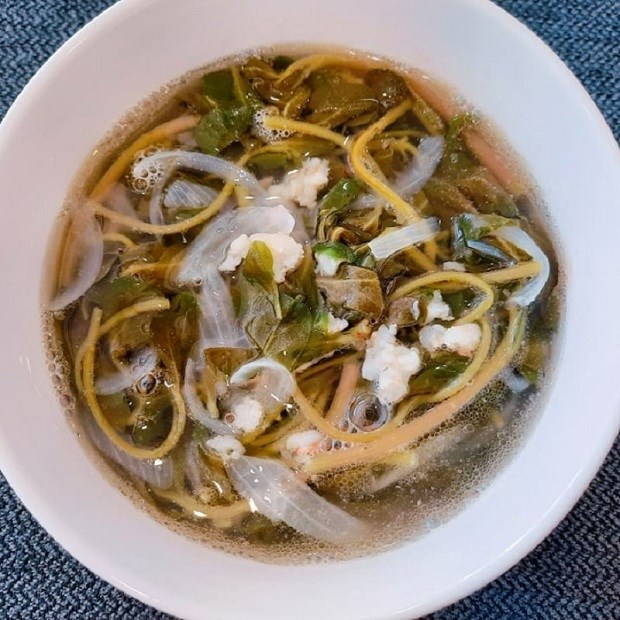 Canh rau xanh sam thổi nấu tôm