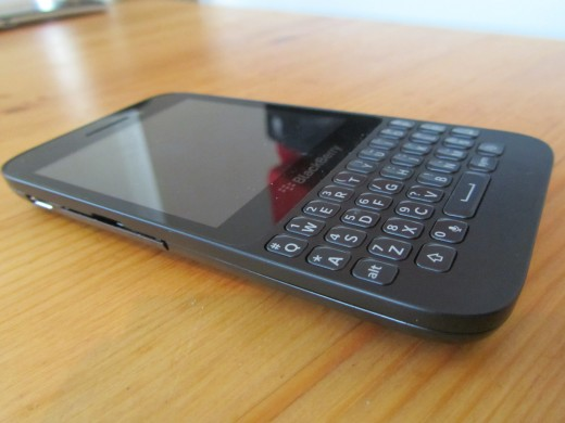 BlackBerry Q5 – cấu hình vừa phải, giá… đắt