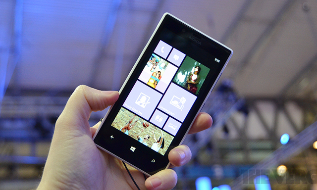 Lumia 720 là mẫu smartphone tầm trung đáng mua nhất ở thời điểm hiện tại