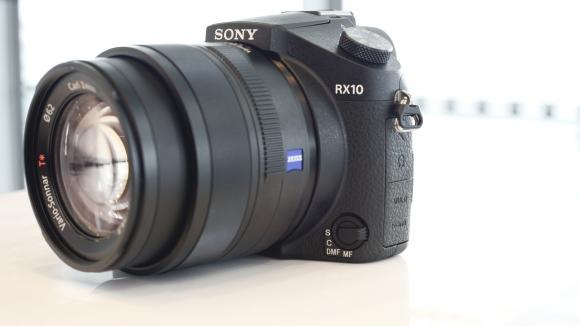 Đánh giá Sony RX10, mẫu compact siêu zoom cao cấp
