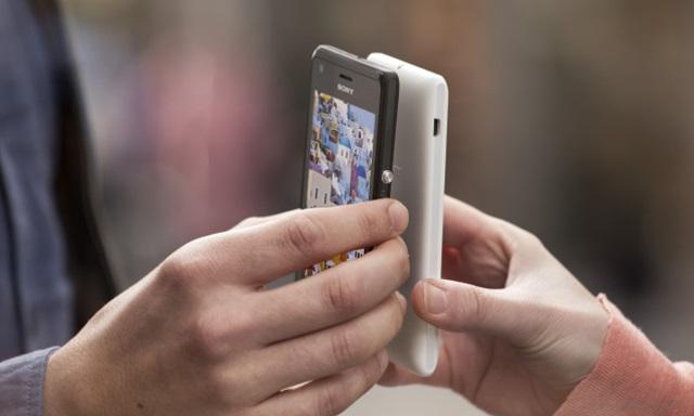 Sang năm bạn nên mua điện thoại có NFC