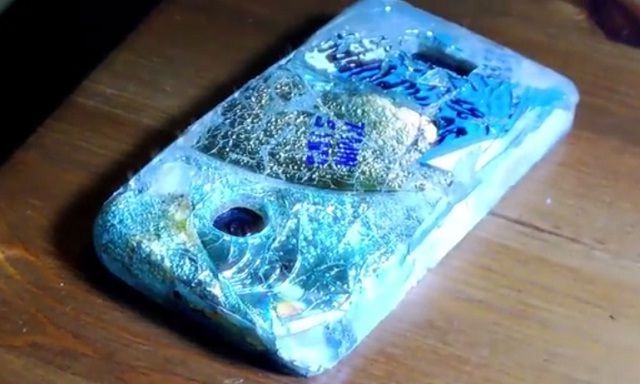 Độc đáo với clip hướng dẫn làm vỏ cho Lumia 1020 từ đĩa CD cũ