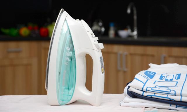 Sử dụng bàn ủi hơi nước đúng cách, an toàn
