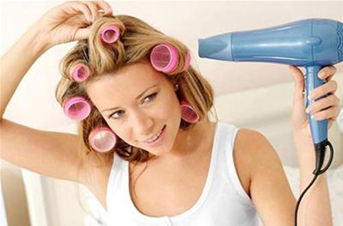 Kết quả hình ảnh cho Sấy và chải tóc đúng cách