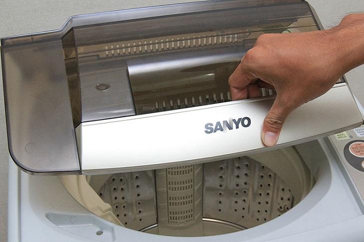 Chưa đóng nắp máy giặt khiến máy không chạy