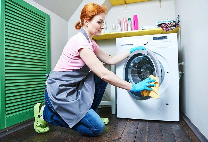 Hướng dẫn cách vệ sinh máy giặt cửa trước hiệu quả