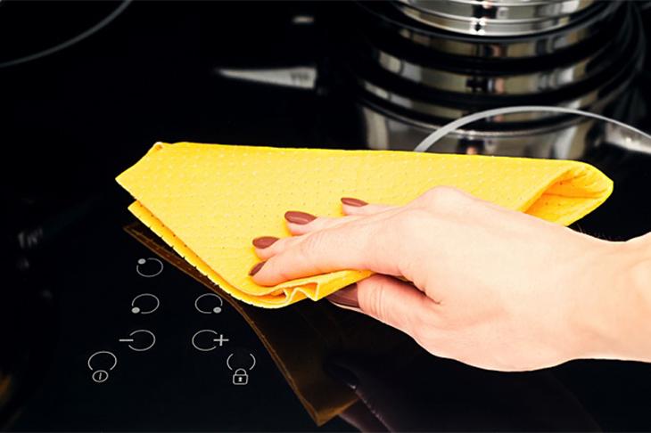4 bước vệ sinh bếp từ đơn giản, sạch boong