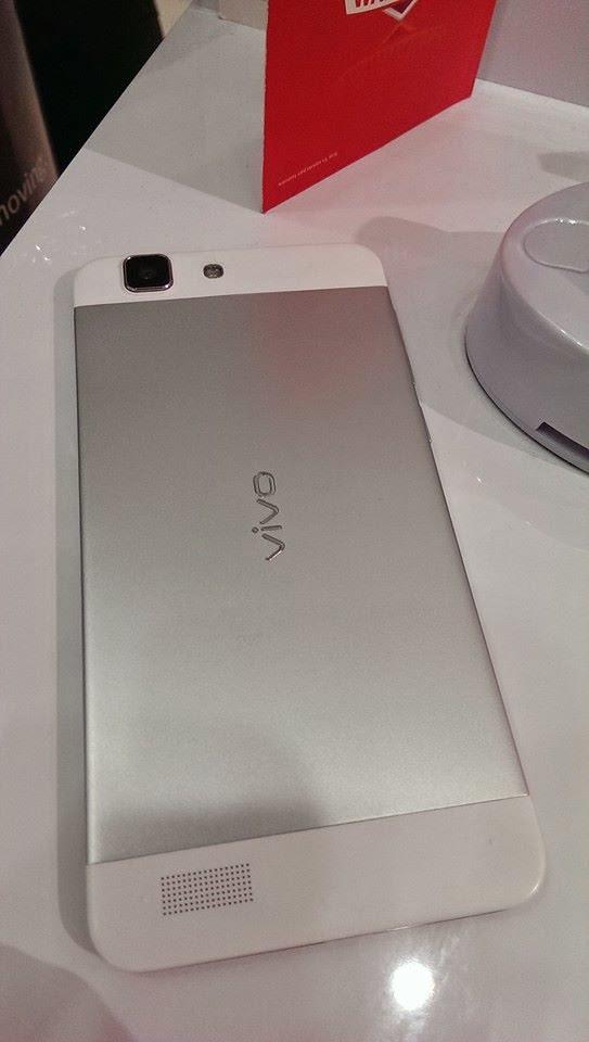 Smartphone siêu mỏng như dao cạo , giao diện như iPhone lên kệ