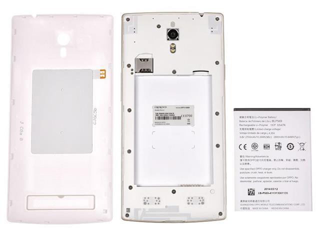 Thỏi pin có thể tháo rời, bên trong có khay cắm thẻ microSIM và microSD
