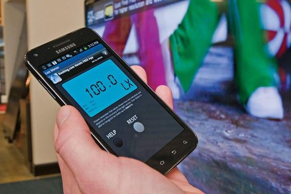 Ứng dụng đo độ sáng có thể so sánh ánh sáng trong nhà với cửa hàng cho bạn những nhận định cần thiết