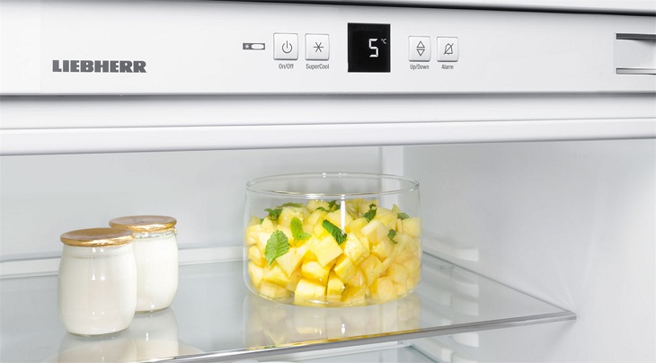 Không đạy kín đồ ăn truocws khí cho vào tủ lạnh