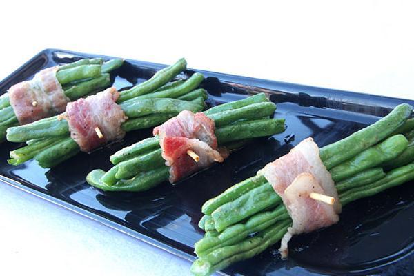 Bước 4 Nướng thịt thịt xông khói cuốn đậu xanh bằng lò nướng