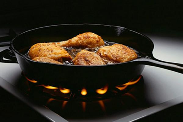 Khi chế biến xong thức ăn phải tắt bếp ngay