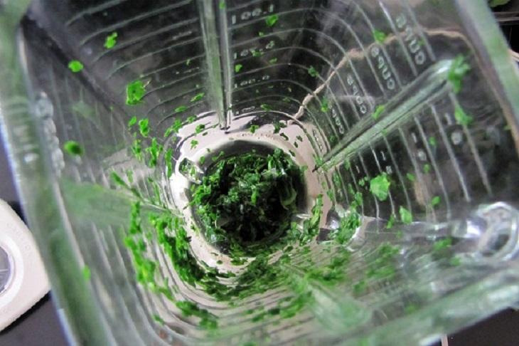 Máy xay sinh tố bị kẹt thực phẩm