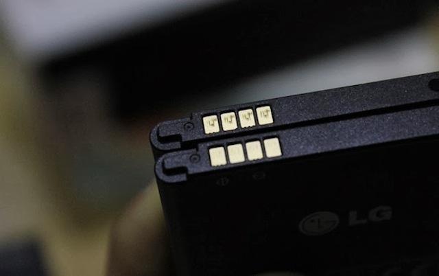 Kiểm tra chân kết nối của pin