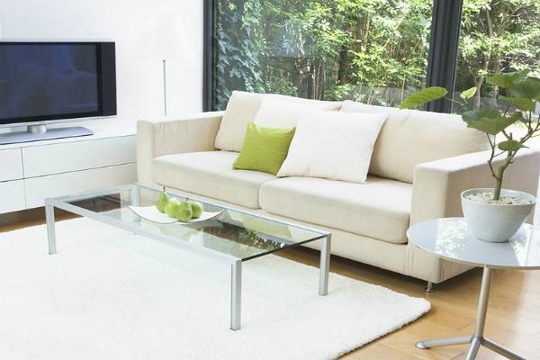 Phòng khách là nơi cần dọn dẹp thường xuyên