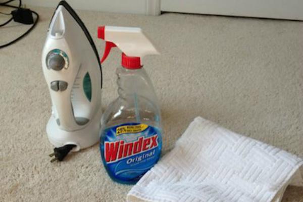 Chuẩn bị những vật dụng đơn giản để tẩy rửa vết bẩn trên thảm