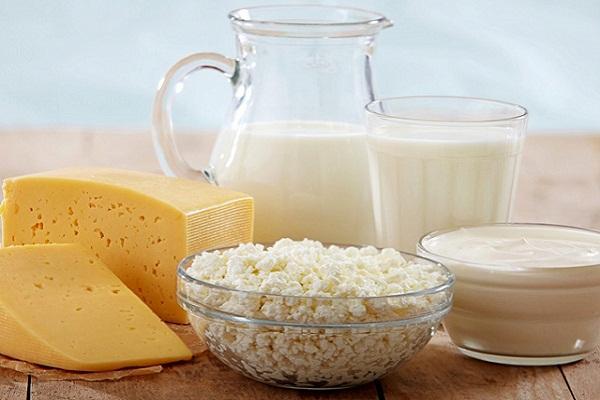 Không nên sử dụng sữa và các chế phẩm từ sữa khi đang đói