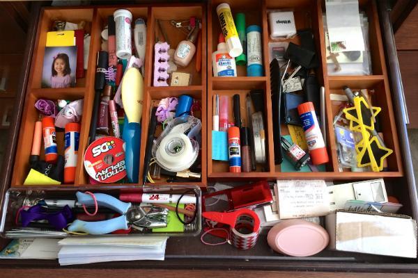 Bạn thường phải lục tung hộp đồ nghề lên để kiếm nên không cần phải dọn dẹp