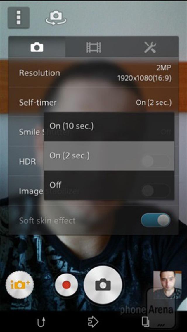 Đặt hẹn giờ khoảng 2 giây để tránh hiện tượng rung khi bấm phím chụp ảnh
