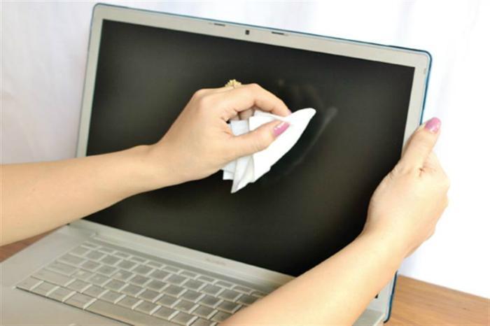 Dùng giấy lọc để lau màn hình máy tính, tivi đều rất hiệu quả
