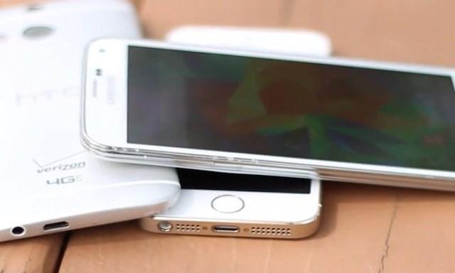 Galaxy S5 thách iPhone 5s, One M8, Lumia 930 đổ nước đá vào đầu