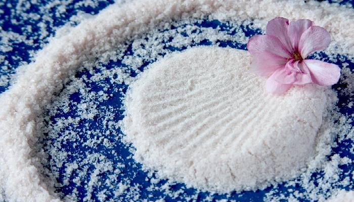 Muối biển giúp da đẹp và săn chắc hơn