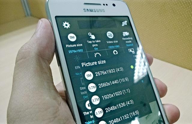 Galaxy Grand Prime có camera trước 5 MP chuyên dụng cho tự sướng