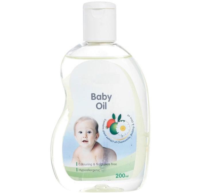 Dầu em bé vừa có thể dùng để vệ sinh, vừa có thể thông cống