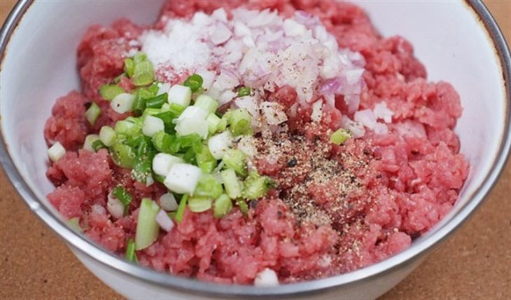 Thịt xay chỉ bảo quản tốt từ 1-2 ngày nếu để ở ngăn mát và 3-4 tháng nếu ở ngăn đông lạnh