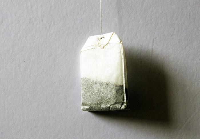Chất tanin có trong trà đen có tác dụng làm dịu sức nóng của vết bỏng