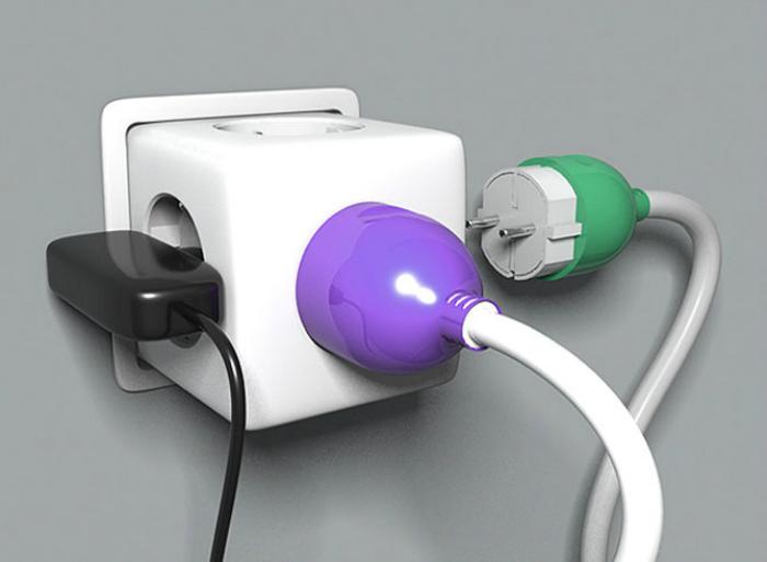 Rút phích cắm các thiết bị khi không sử dụng để tránh hao điện