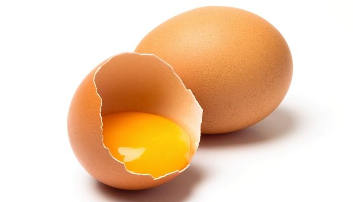 Lòng đỏ trứng giúp bạn có mái tóc đẹp