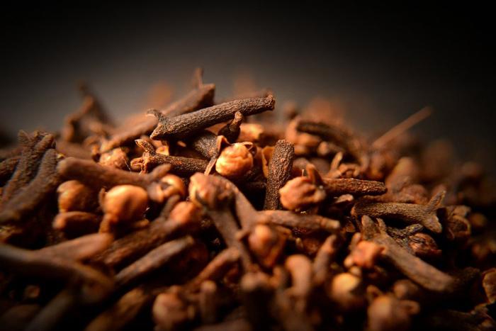 Đinh hương cũng là vị thuốc chữa ợ nóng