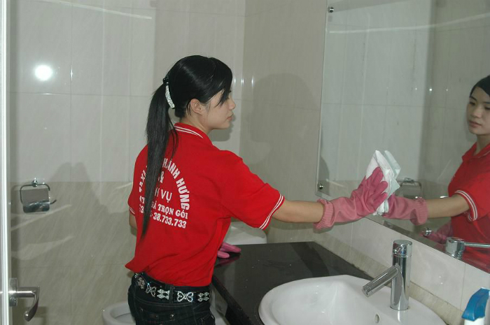 Giữ cho nhà vệ sinh luôn sạch sẽ để chống muỗi