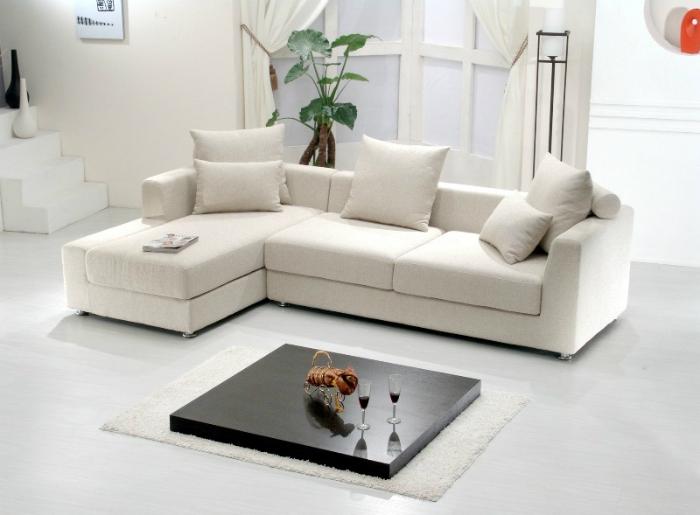 Sử dụng đồ nội thất trùng màu tường sẽ có cảm giác căn phòng rộng thêm