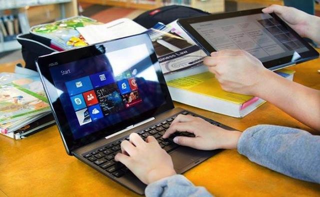 Transformer Book T200 có thể làm nhiệm vụ một chiếc laptop