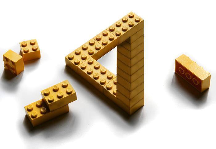 Một vật thể vô lý bằng Lego