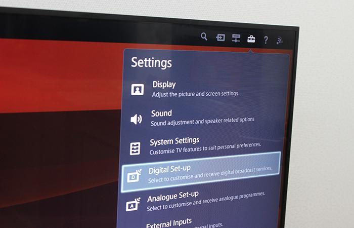 Nếu tivi có DVB- T2 vào phần cài đặt tìm Digital (ảnh minh họa từ INTERNET TIVI LED SONY KDL-42W700B)