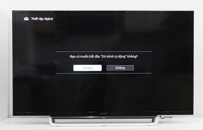 Chọn vào phần đồng ý khi tivi hỏi Bạn có muốn bắt đầu dò kênh tự động không?