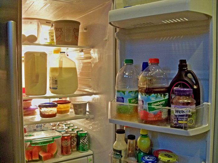 Hạn chế đóng cửa tủ lạnh