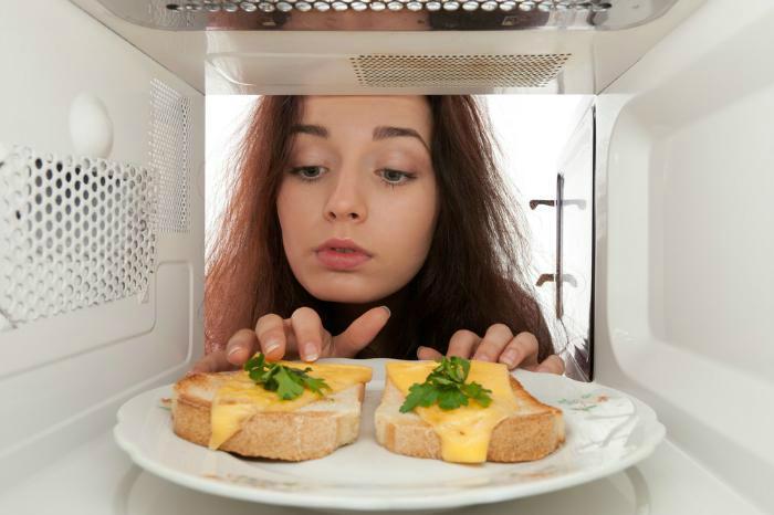 Chỉ nên hâm nóng thức ăn ở thời gian vừa đủ